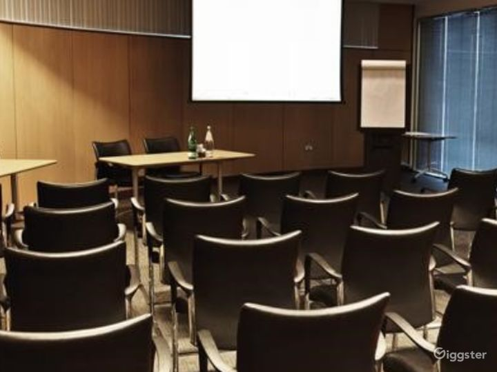 Combined Functional Meeting Room for up to 80 people in in Reading Photo 3