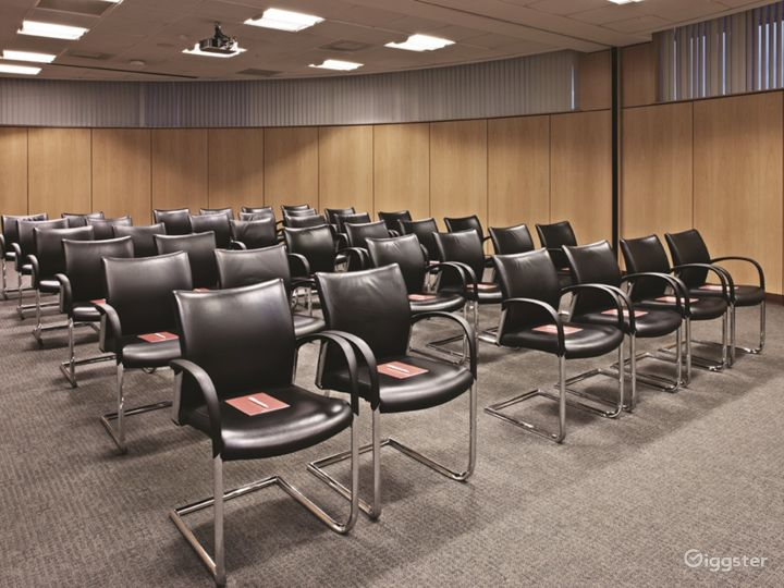 Combined Functional Meeting Room for up to 80 people in in Reading Photo 2