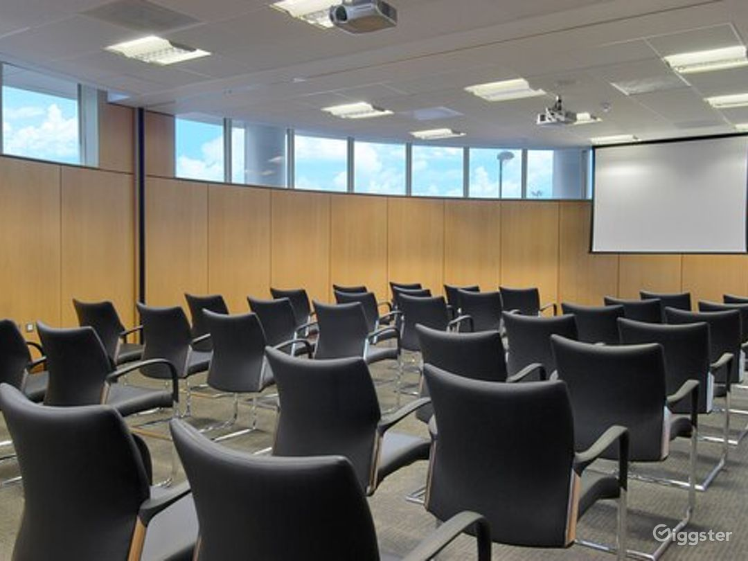 Combined Functional Meeting Room for up to 80 people in in Reading Photo 1