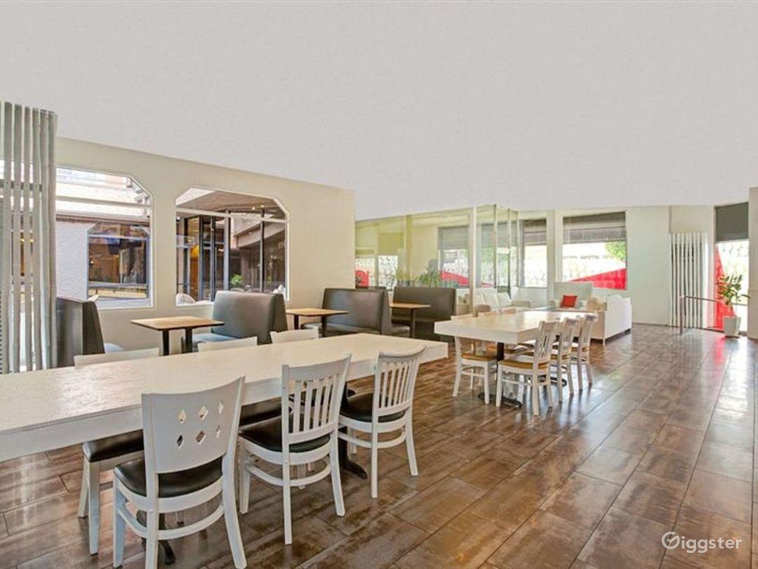 Pleasant Dining Room in LA Photo 1