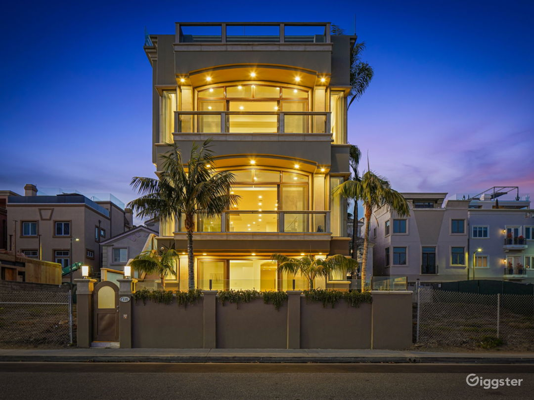 Oceanfront Contemporary Mansion Photo 1