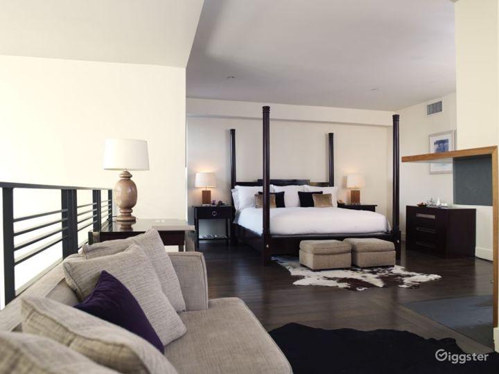 Penthouse duplex hotel suite: Location 3133 Photo 4