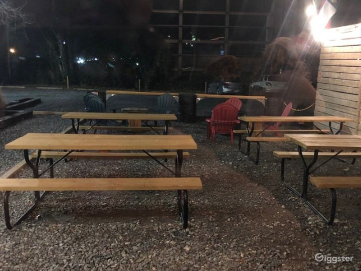 Perfect Patio with Picnic Tables Photo 4