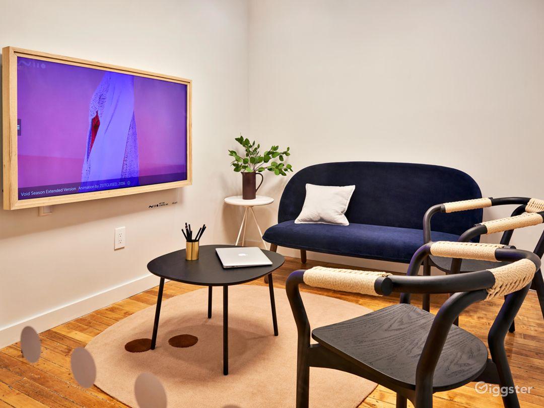 Premium Salon Room in Midtown Photo 4