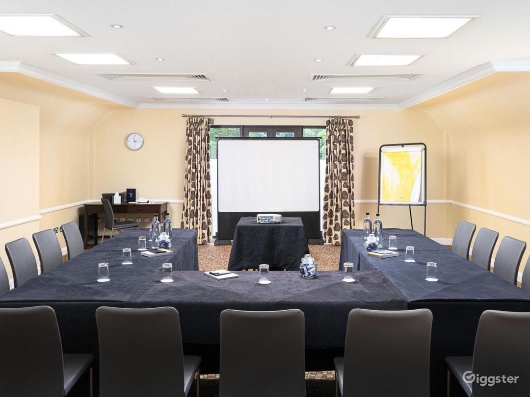 Quiet Meeting Room in Oxford Photo 1