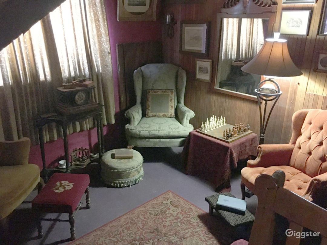 The Diogenes Room/Stranger's Room