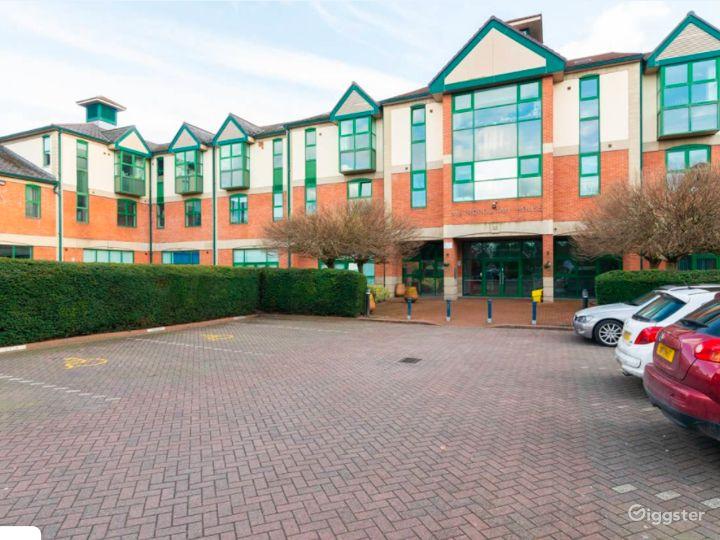 Upscale Duplex in Manchester Photo 3