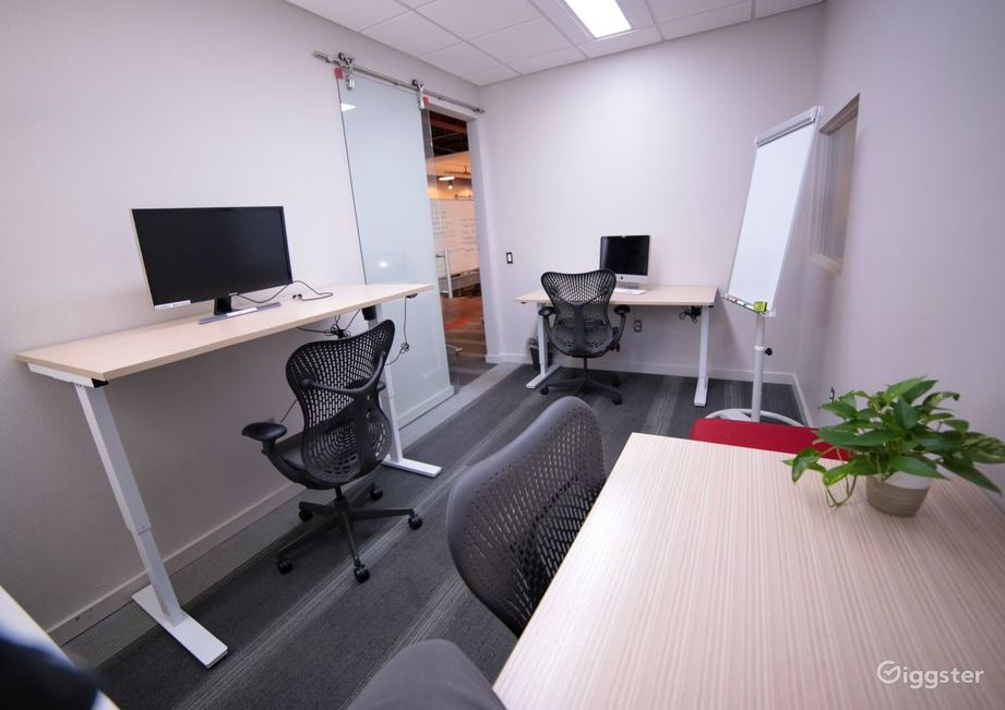 Casual and Cool Private Office  Photo 1