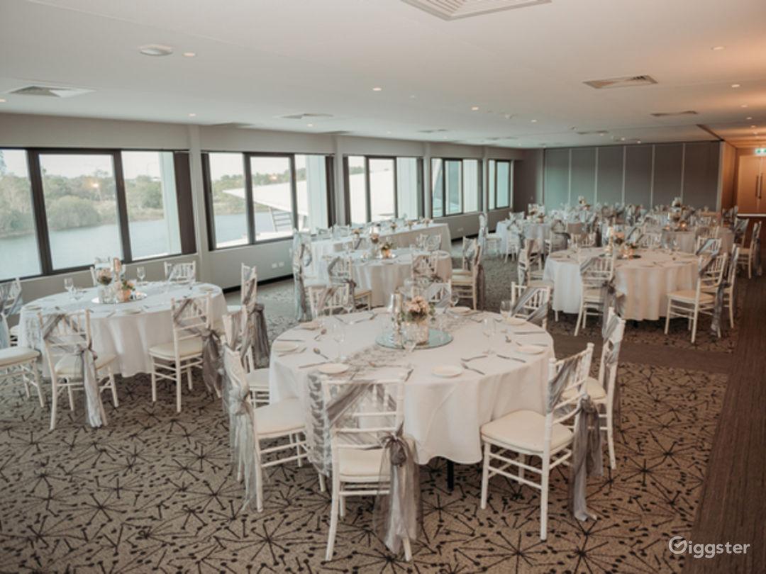 Sophisticated Stradbroke Island Room with View Photo 1