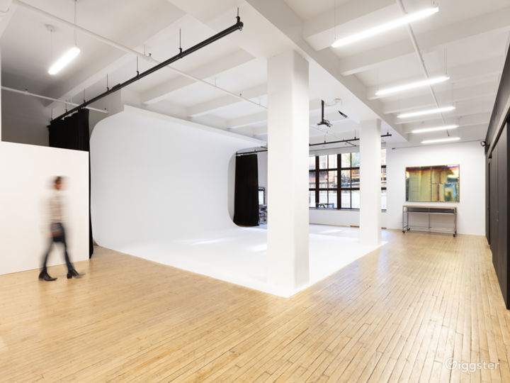 3,000 sq./ft  professional photo studio Photo 2