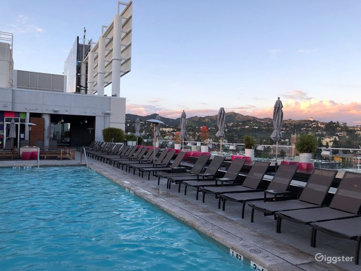 Rooftop with Pool & Lounge  Photo 4