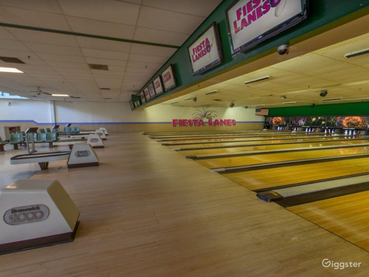 Bright and Festive Bowling Lanes in Tucson Photo 2
