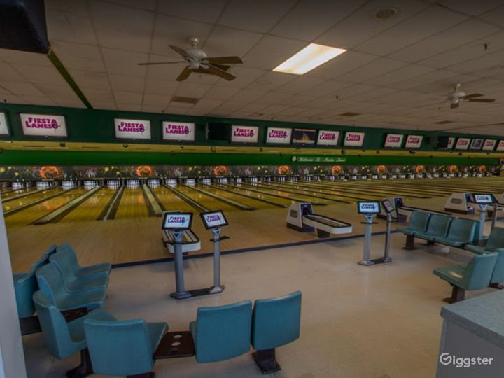 Bright and Festive Bowling Lanes in Tucson Photo 3