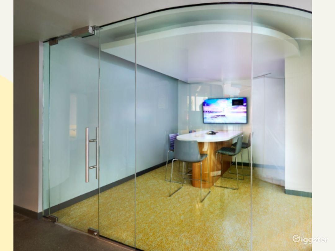 Collaboration Room Photo 1