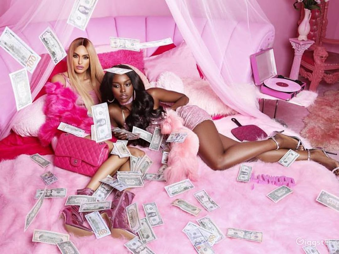 I Wear Glam did an entire PINK FRIDAY Campaign in The Pink Palace.