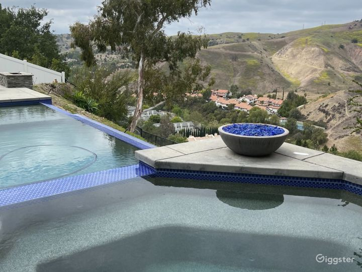 Mountain Infinity Edge Pool Views Photo 3