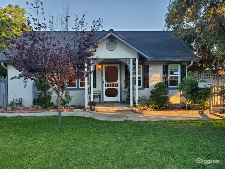 Cute little country-style home in East Pasadena