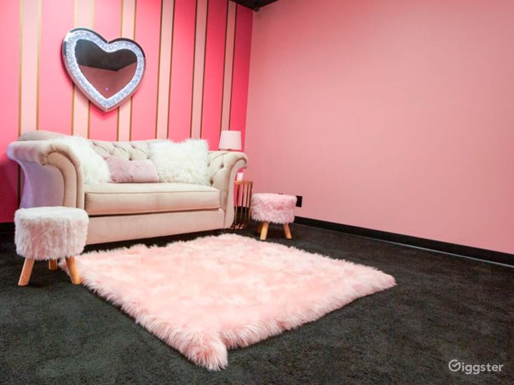 Pink and Classy Content Room Photo 5