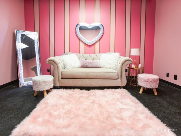 Pink and Classy Content Room Photo 3
