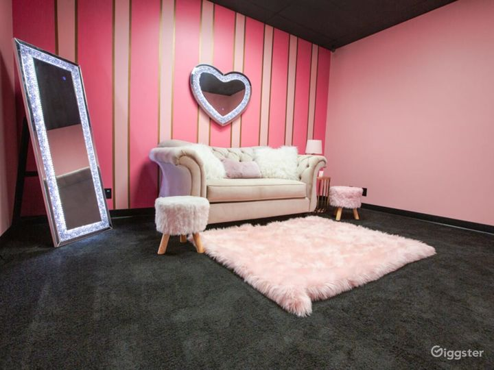 Pink and Classy Content Room Photo 2