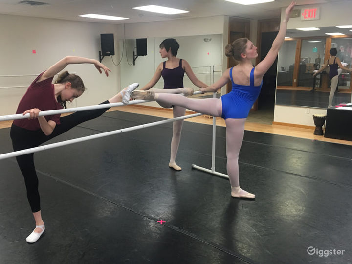 Classic and Contemporary Dance Studio Photo 4