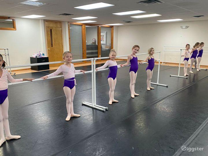 Classic and Contemporary Dance Studio Photo 2
