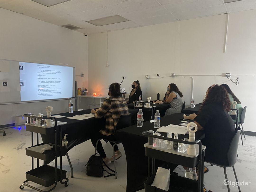 Spacious Beauty Classroom & Gatherings Photo 1