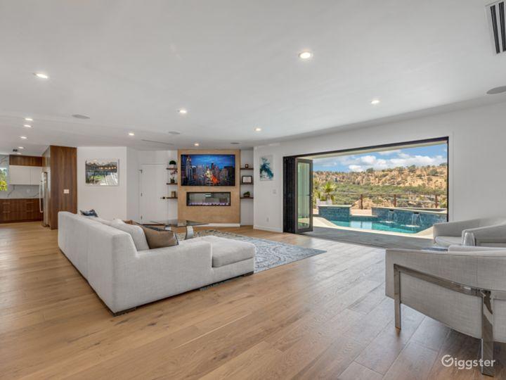 Modern Contemporary Bel Air Home Photo 5