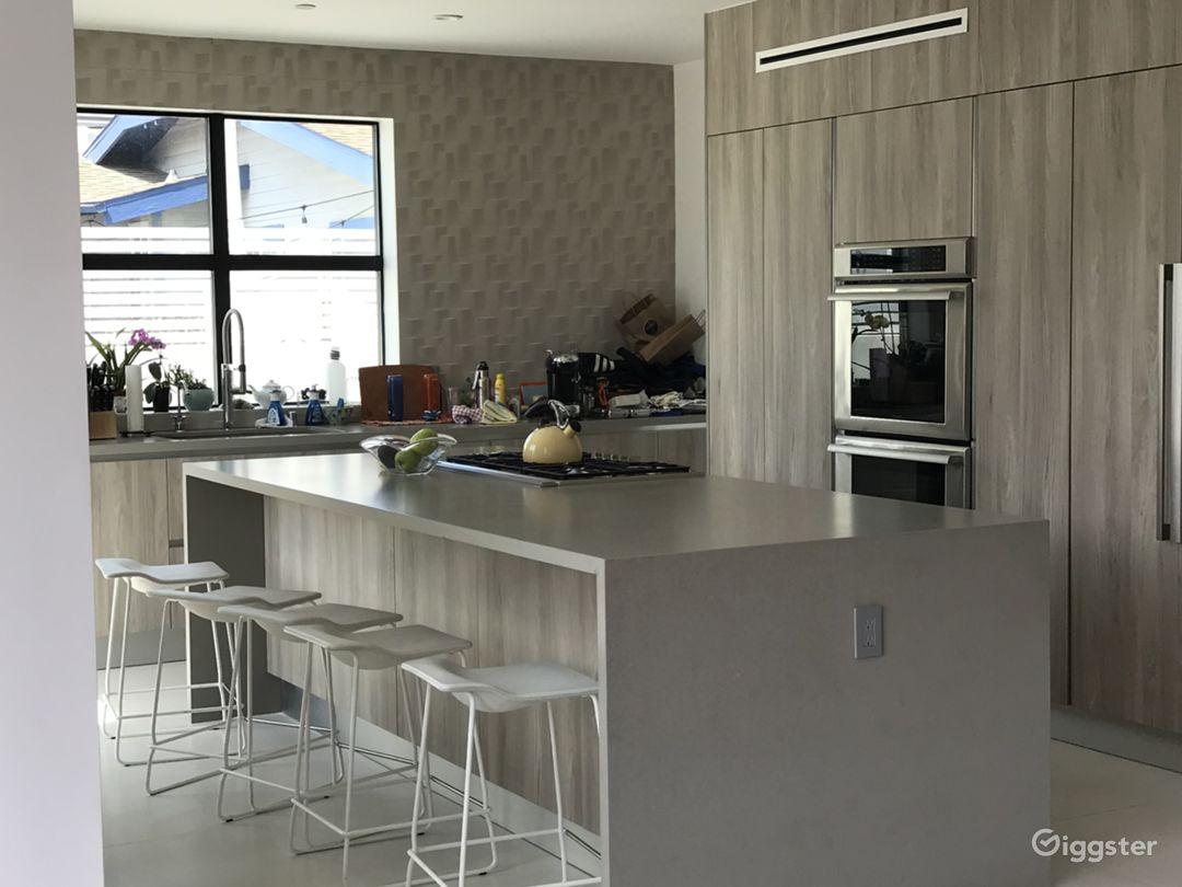 Modern White Big Box House Photo 2