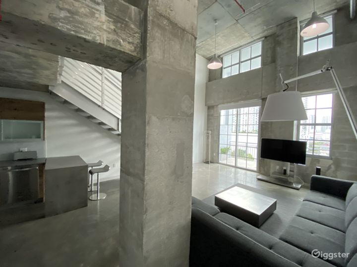 Huge concrete Loft with stunning views Photo 3