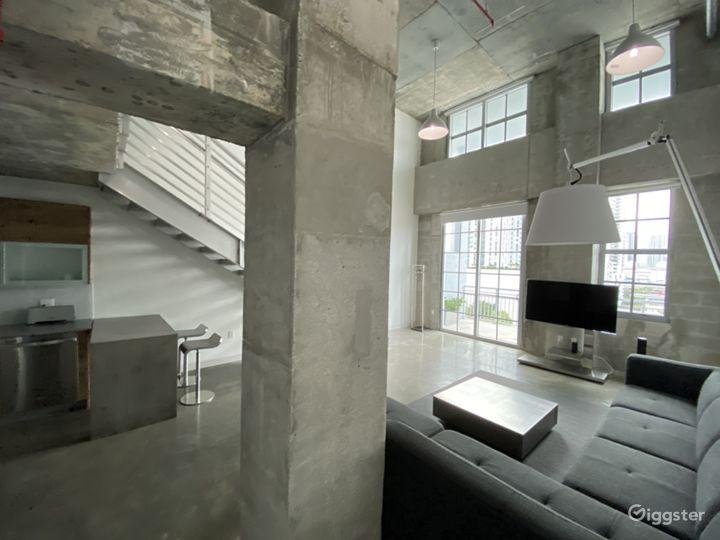 Huge concrete Loft with stunning views Photo 4