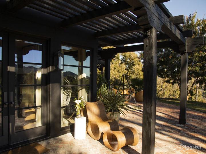 The Black Villa with Incredible Views Photo 4