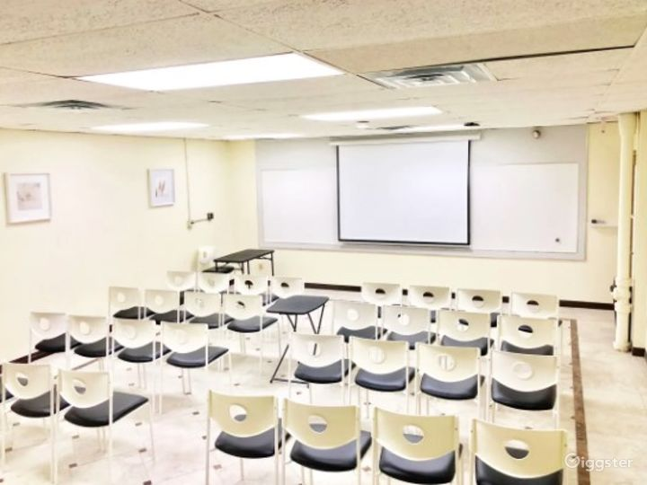 Clean Classroom/Meeting Room with Bright Colors Near Ohare Photo 2