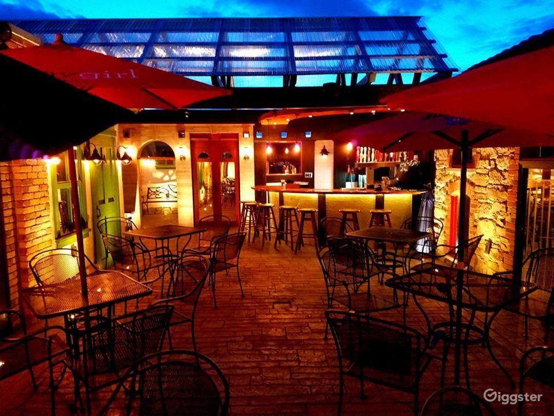 Refreshingly Bright Rooftop Patio Venue Photo 1