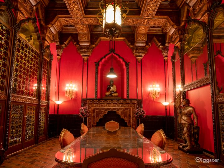Most Spectacular Theater in New York with Lavishly Eclectic Interior  Photo 5