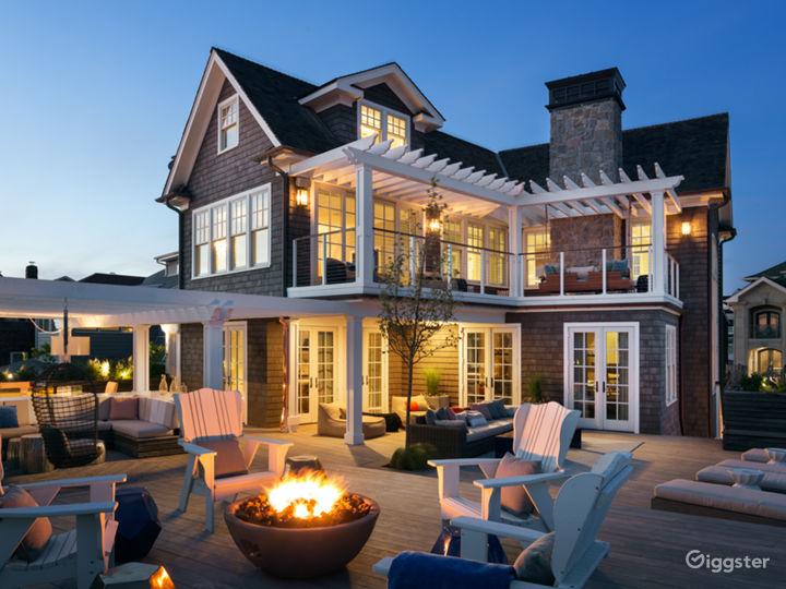 Magnificent Beachfront Home: Location 5143 Photo 4