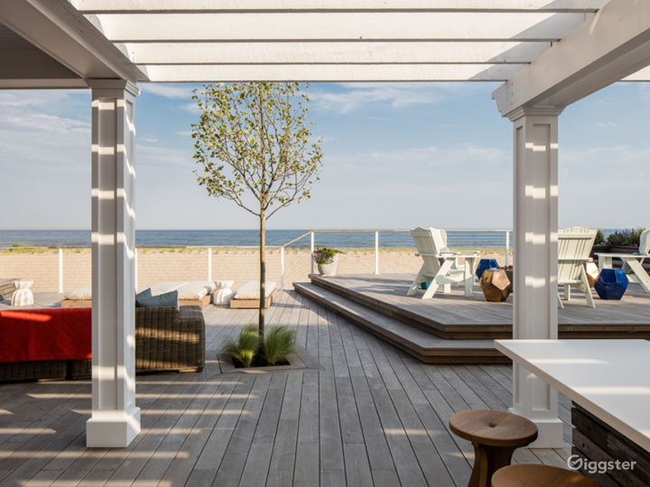 Magnificent Beachfront Home: Location 5143 Photo 2