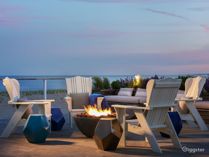Magnificent Beachfront Home: Location 5143 Photo 3