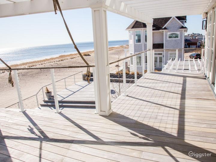 Magnificent Beachfront Home: Location 5143 Photo 5