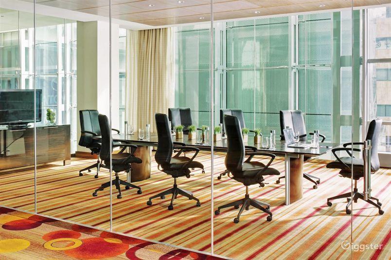 Cozy Meeting Room in LA Photo 1