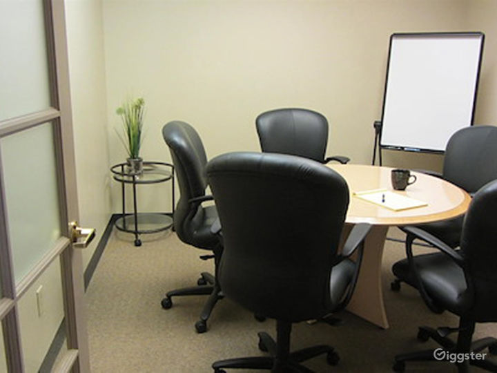 Welcoming and Stylish Office in Albuquerque Photo 5
