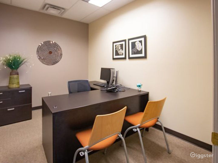 Welcoming and Stylish Office in Albuquerque Photo 4