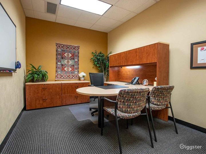 Welcoming and Stylish Office in Albuquerque Photo 3