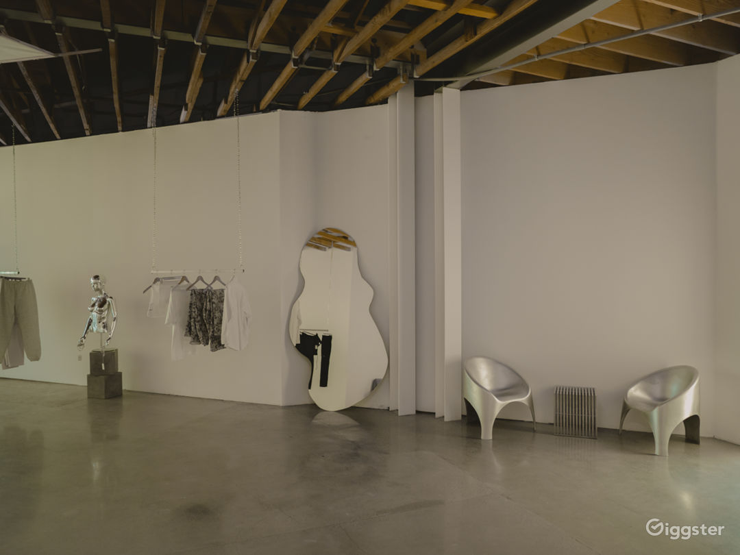 Beautiful Minimalist Arts District Space  Photo 1