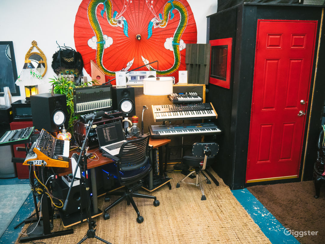 Unique Creative Space – DTLA Warehouse Loft Studio Photo 1