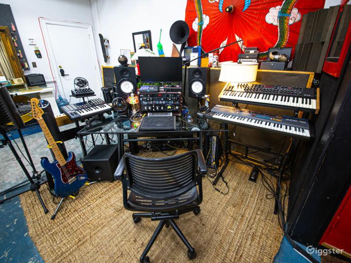 Unique Creative Space – DTLA Warehouse Loft Studio Photo 3