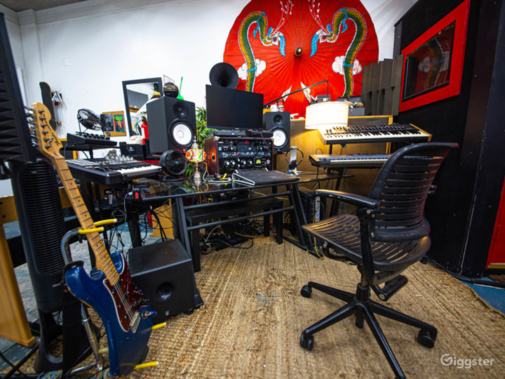 Unique Creative Space – DTLA Warehouse Loft Studio Photo 4