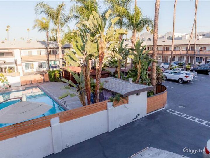 Stylish and Flexible Pool Area in LA Photo 4