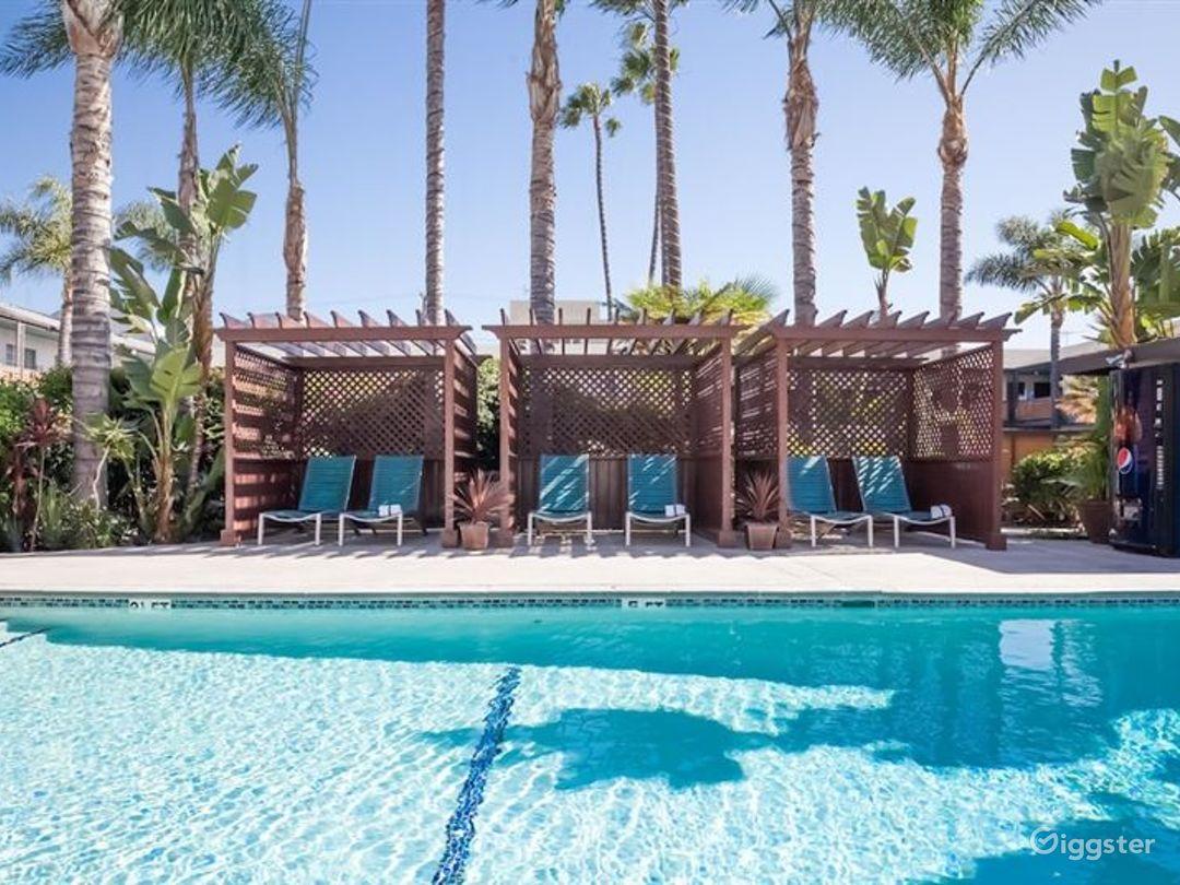 Stylish and Flexible Pool Area in LA Photo 1