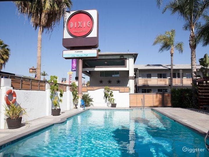 Stylish and Flexible Pool Area in LA Photo 5